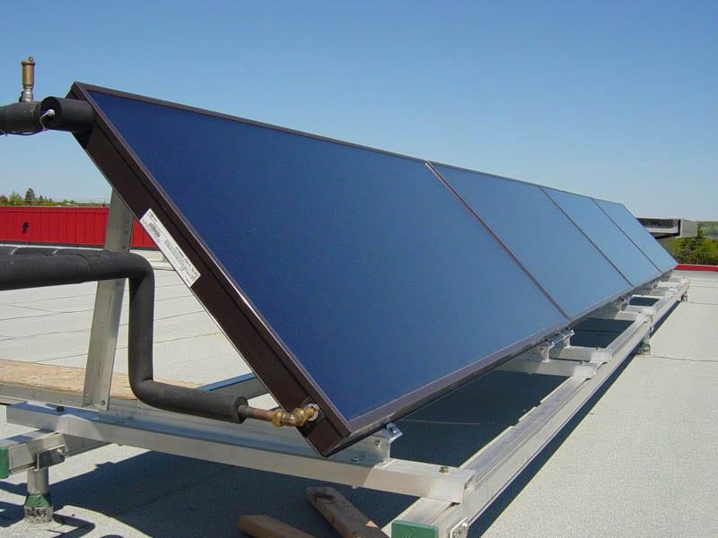 ZNX με ηλιακούς συλλέκτες και κεντρικό Boiler